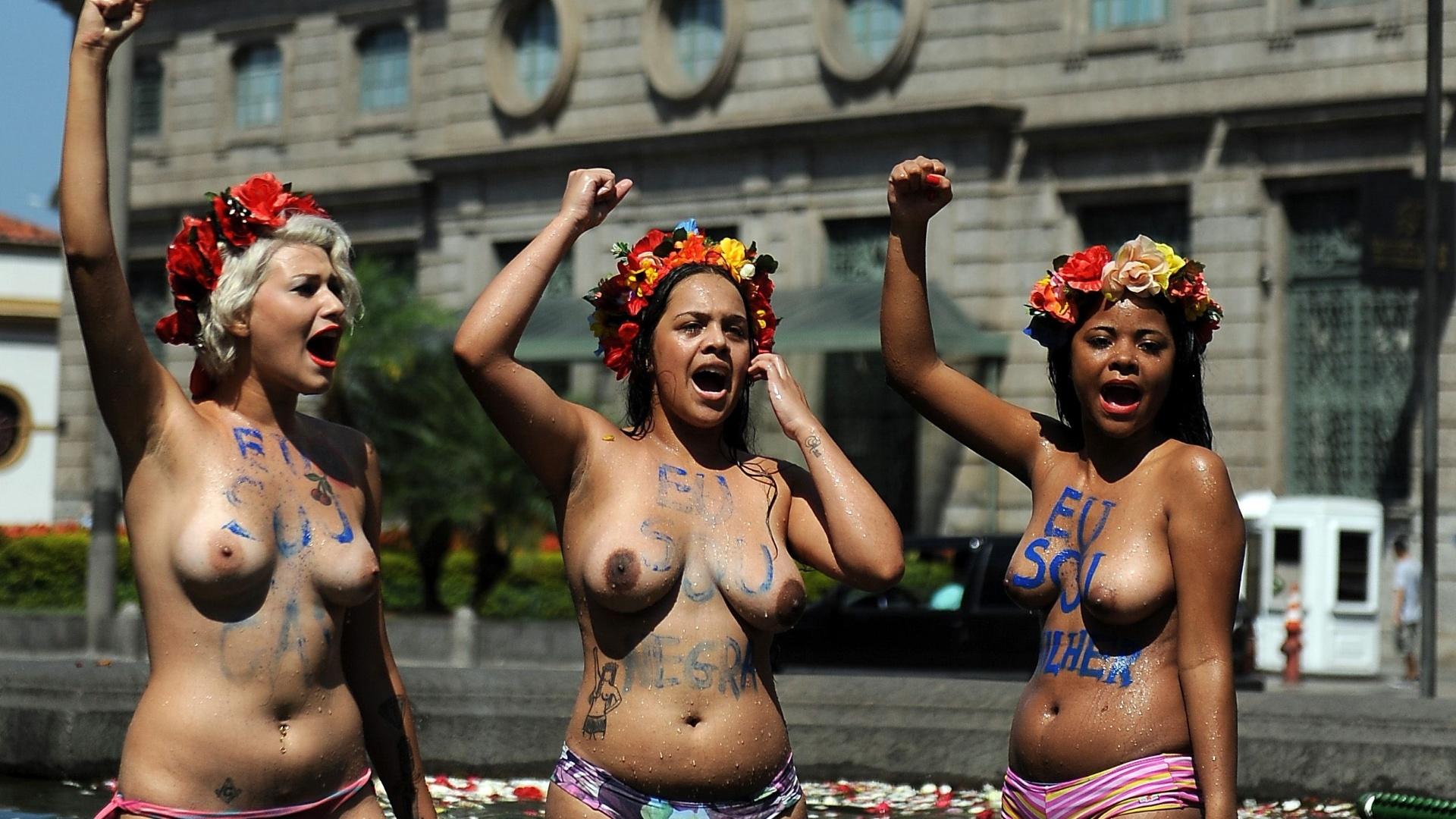 Nude ukrainian protesters