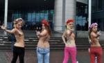 yanukovice_ciplak_protesto